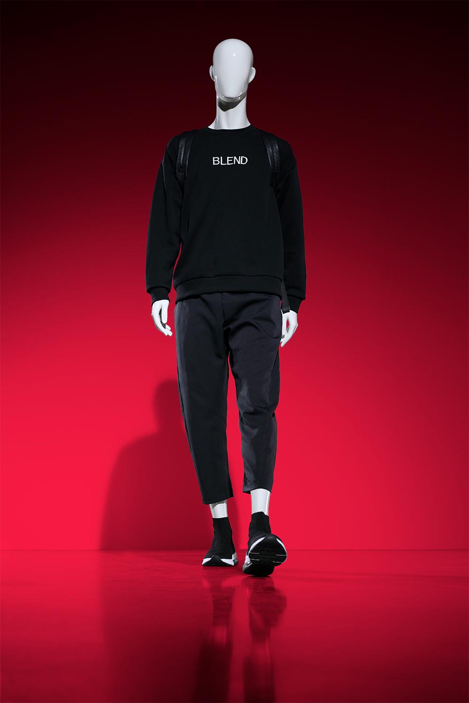 Blend walking man